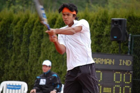 Somdev Devvarman squares off against Igor Kunitsyn in the opening round of the Dubai Duty Free Tennis Championships.