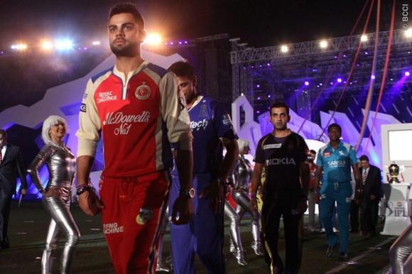Virat Kohli Leading The Way at IPL 6 Opening Ceremony