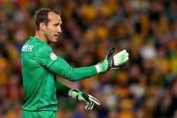 Chelsea sign Australia goalkeeper Mark Schwarzer