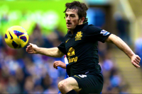 Report: Man Utd Lining Up Revised Bid for Baines