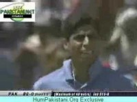 Indian cricket team - Nehra Abusing Dhoni for a dropped catch