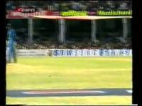 SACHIN TENDULKAR'S 139 VS AUSTRALIA AT INDORE MARCH 2001