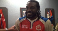 Chris Gayle breaks many records in the match against pune - Locker Room Video