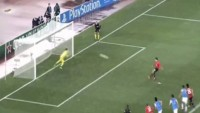 Robin Van Persie Penalty Miss Real Sociedad vs Manchester Utd 05 11 2013